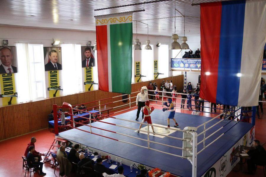 В Грозном стартовало первенство ЧР по боксу