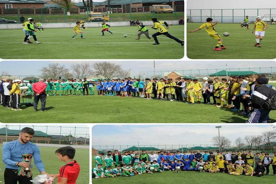 В Грозном прошло первенство города по футболу среди юношей