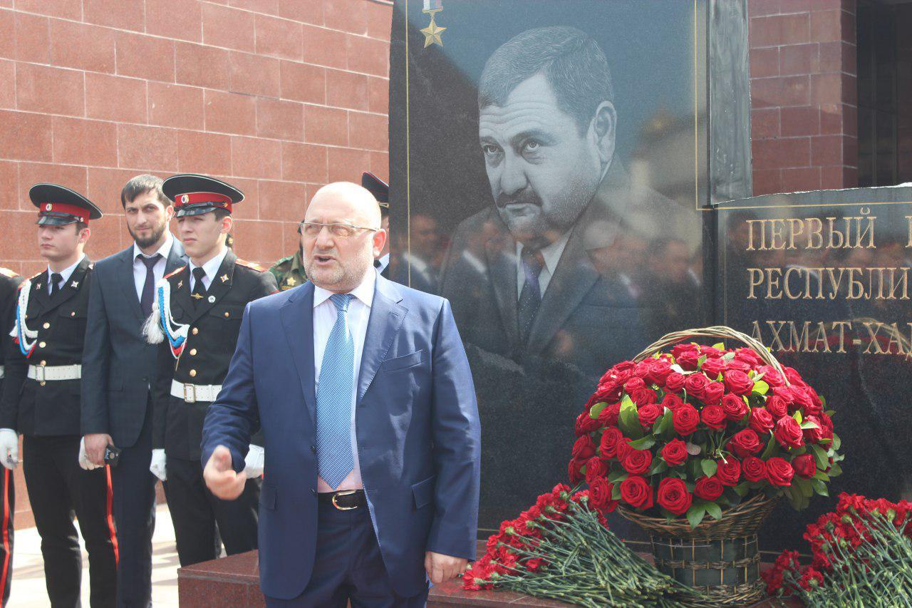 Путин навстрече сКадыровым обозначил успешное осуществление майских указов вЧечне