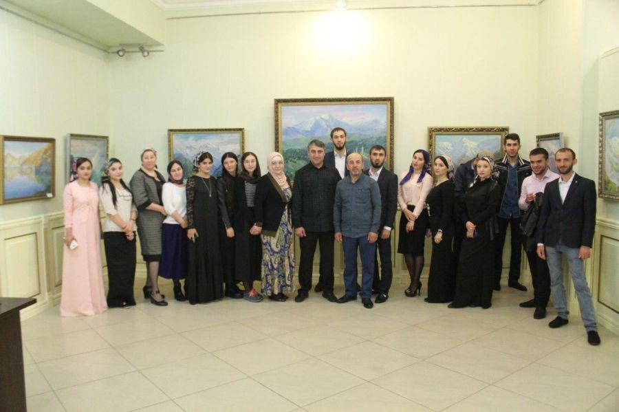 В Государственной галерее им. А.А.Кадырова открылась выставка «Рожденные побеждать»