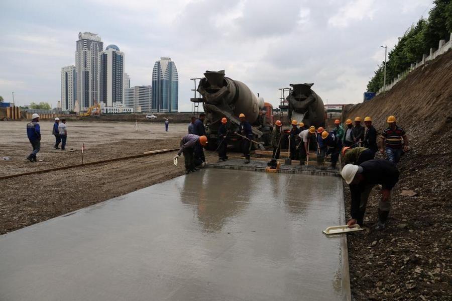 Все работы по строительству МФК «Ахмат Тауэр» и ТРЦ «Грозный Молл» идут по графику