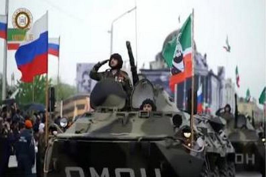 Глава Чечни поздравил военных автомобилистов с праздником