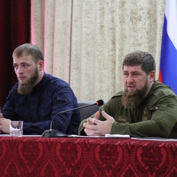 Р. Кадыров встретился с активистами молодежных организаций ЧР