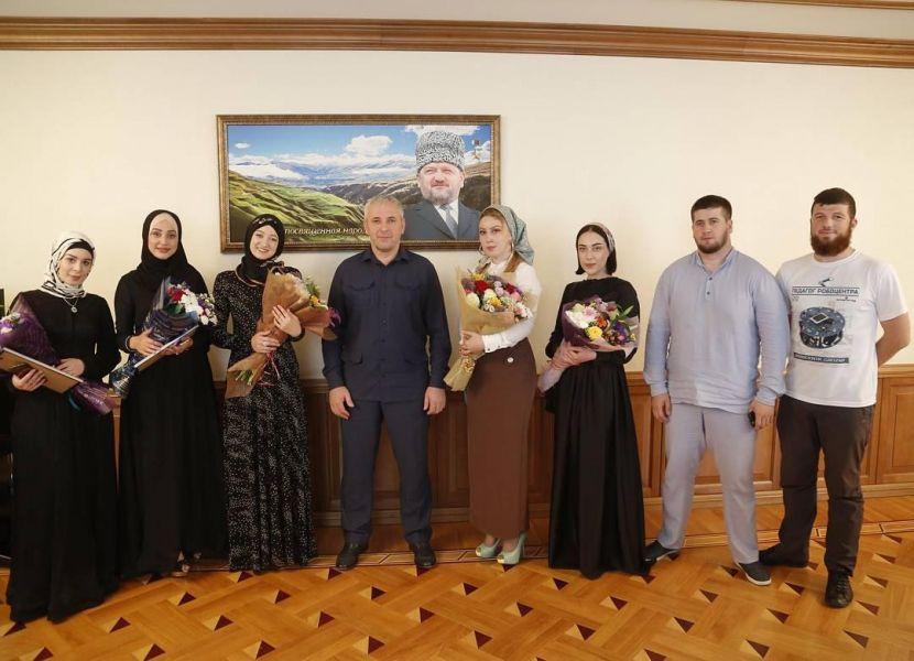 В Чеченской Республике четыре выпускника сдали ЕГЭ на высший балл