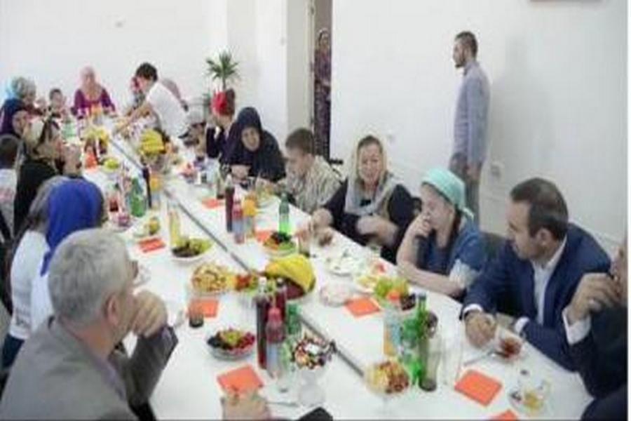 Глава Минобрнауки ЧР встретился с детьми с ограниченными возможностями