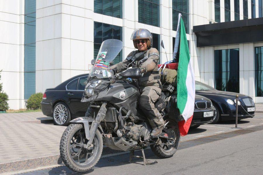 Мотоцикл, как средство налаживания международных связей (+видео)