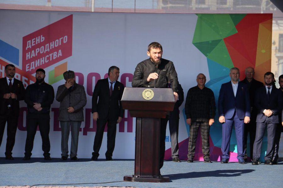Магомед Даудов: Согласие в обществе позволили нашей стране преодолеть трудный переходный период и создать новую демократическую Россию