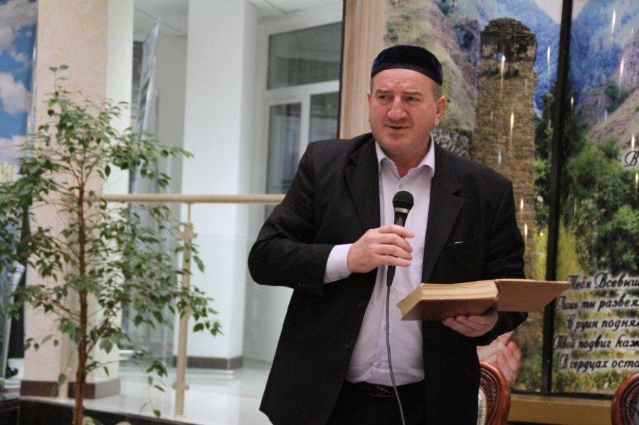 В свет вышла книга Муслима  Мурдалова «Кавказский уроженец»