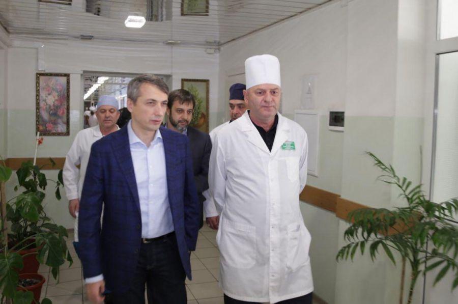 Минздрав Чечни проинспектировал Урус-Мартановскую ЦРБ