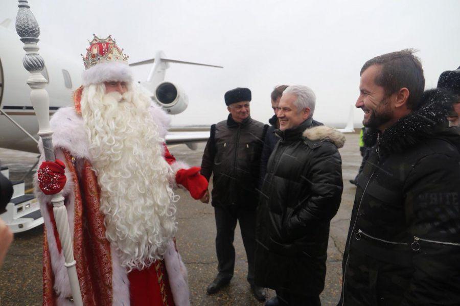Забег Дедов Морозов состоится наДворцовой площади вПетербурге