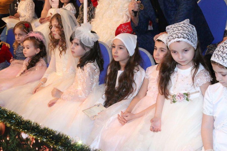 «Чушь Кавказского узла»: Минобрнауки Чечни опровергло сообщение о новогоднем дресс-коде в школах
