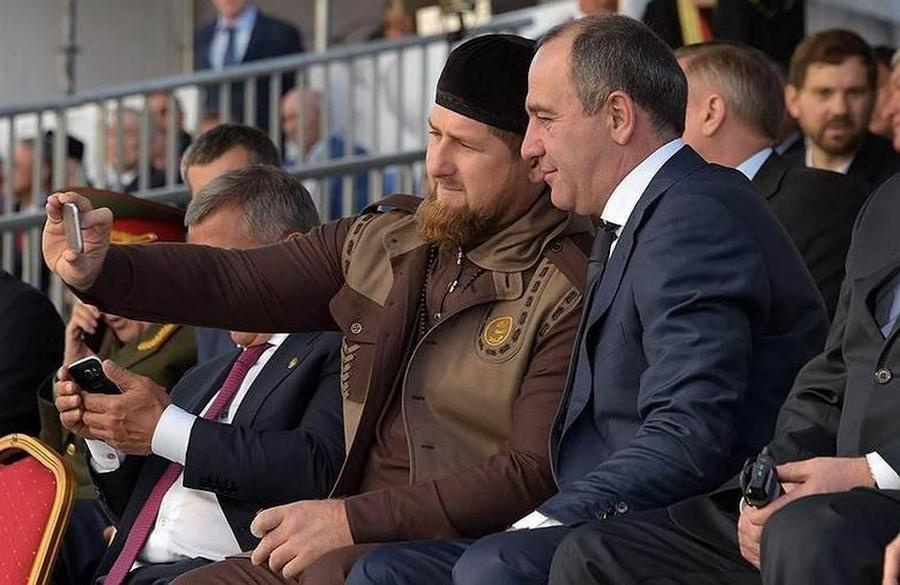 Р. Кадыров поздравил Главу КЧР с днем рождения