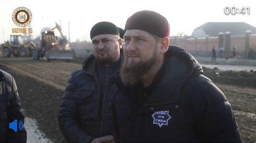 Рамзан Кадыров посетил строительные площадки в Шали