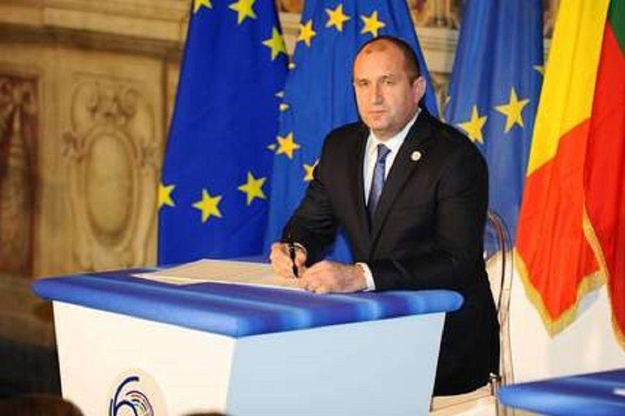 Президент Болгарии заявил о желании поддержать отмену антироссийских санкций