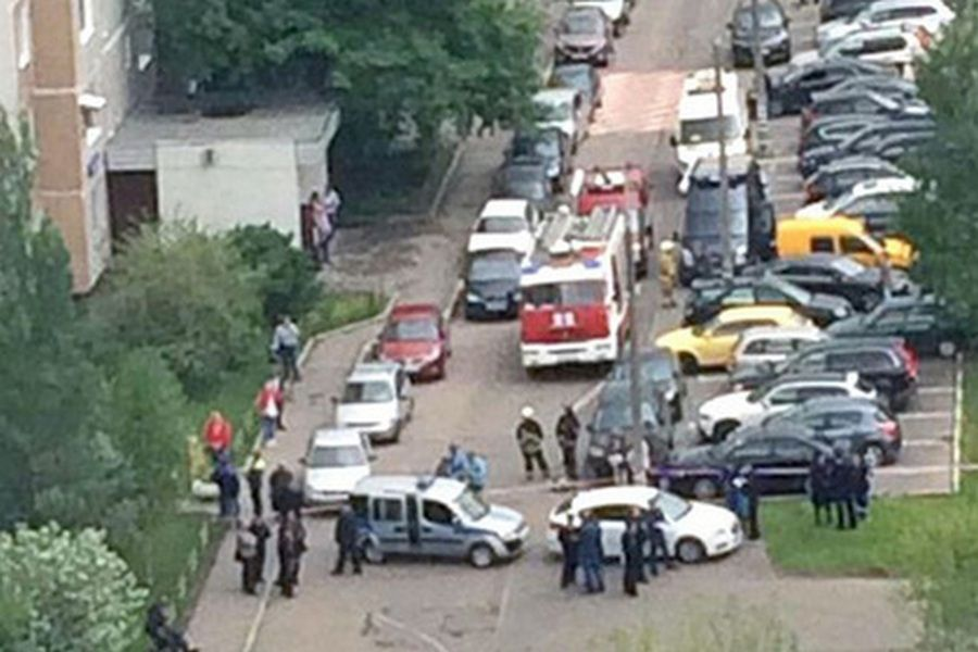 В жилом доме на западе Москвы обнаружена бомба