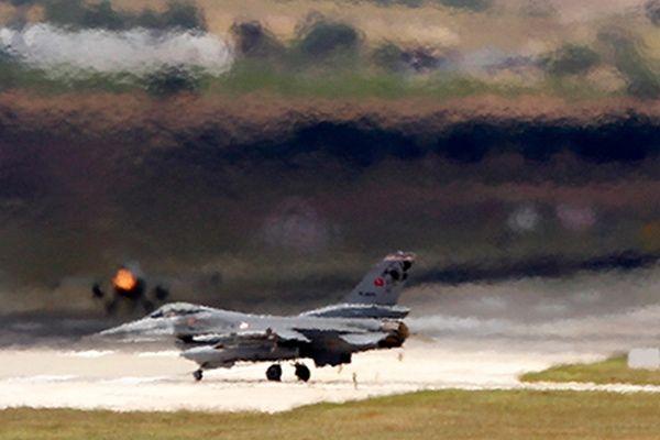 Турция и Россия подписали соглашение о безопасности полетов в небе над Сирией