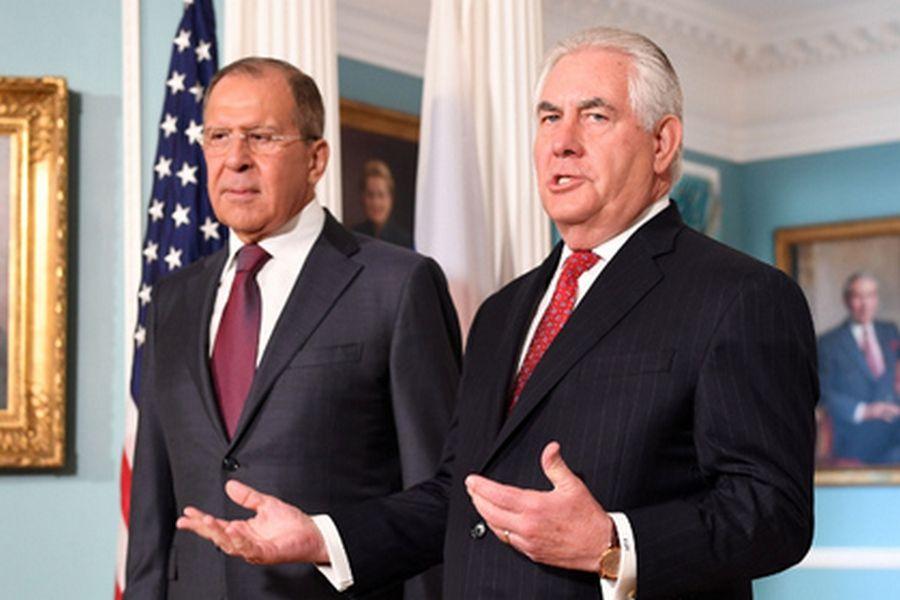 Лавров и Тиллерсон обсудили вопросы урегулирования в Сирии