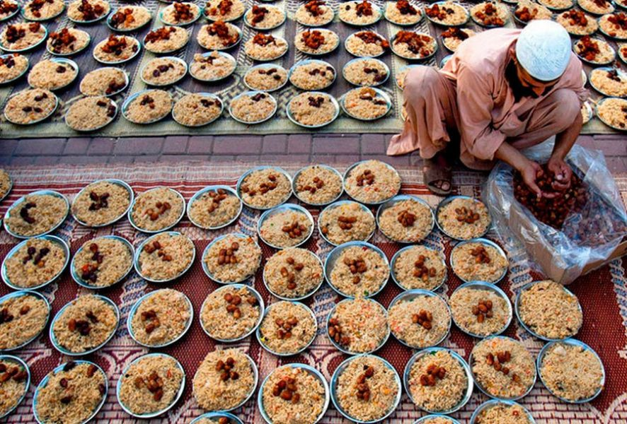 Для мусульман всего мира наступает священный месяц Рамадан