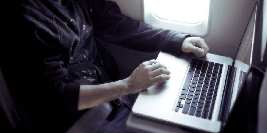 США планирует запретить перевозку ноутбуков на рейсах из Европы
