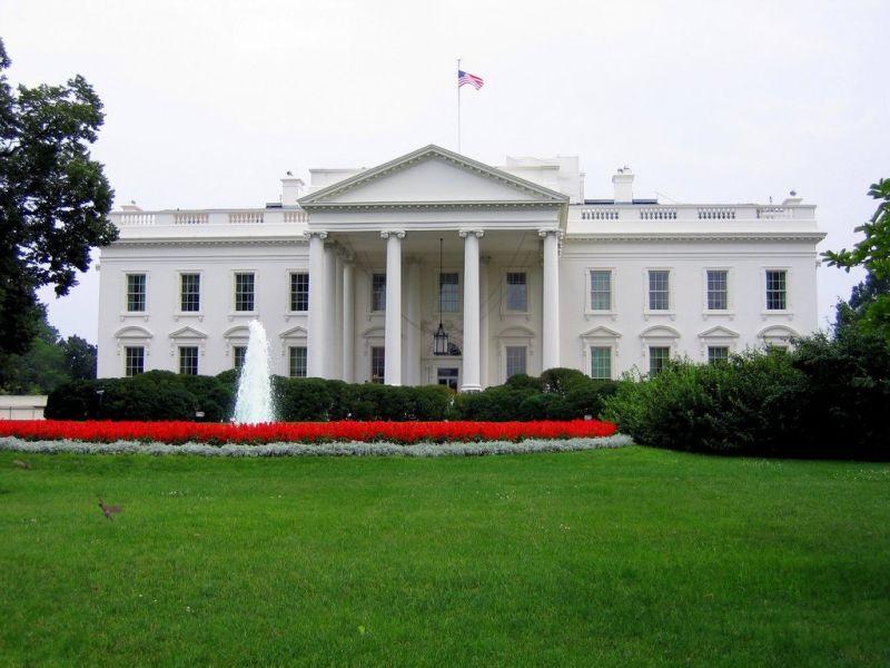 Белый дом пробует ослабить законодательный проект посанкциям против РФ