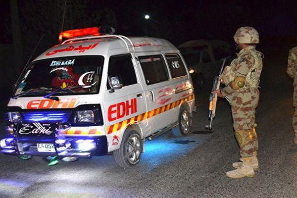 Число жертв взрыва в Пакистане достигло 71 человек
