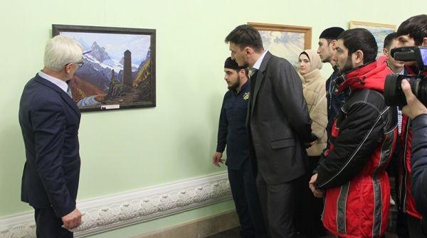 Выставка ко Дню восстановления ЧИАССР открылась в Мемориальном комплексе Славы им.А.А.Кадырова