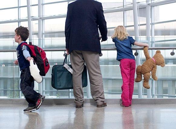 Перед выездом за пределы страны с детьми необходимо ознакомиться с законом