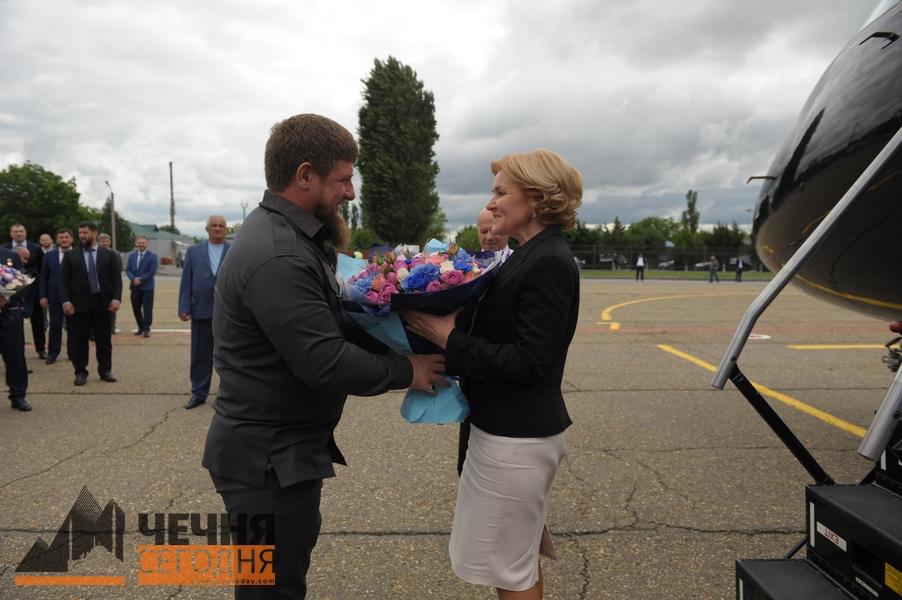 В Грозный с рабочим визитом прибыли Ольга Голодец и Лев Кузнецов