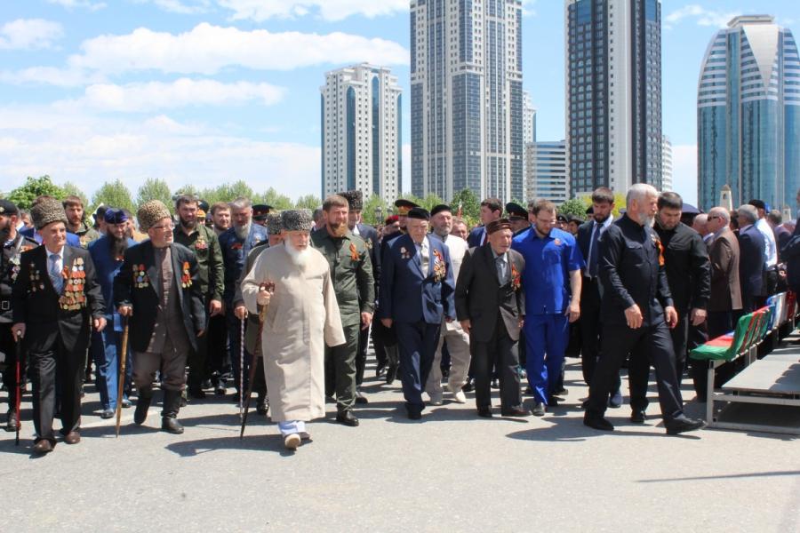 Р. Кадыров: «Наши воины твердо хранят славные боевые традиции отцов и дедов»