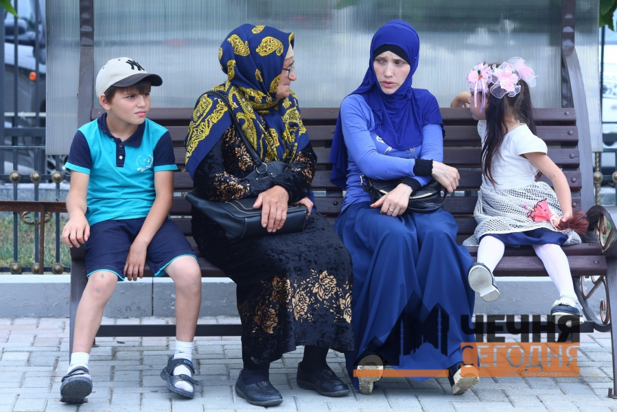 В Грозный  прибыл спецрейс с детьми из  Мосула