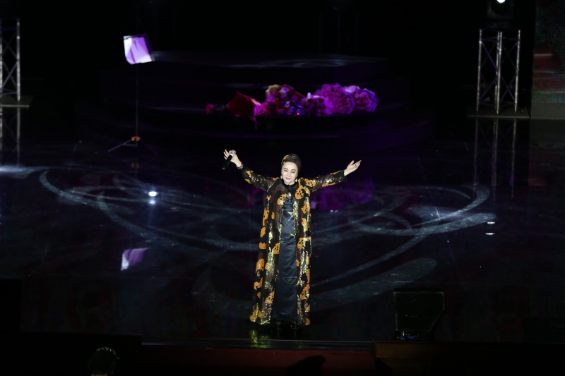 В Грозном прошел сольный концерт Марем Ташаевой