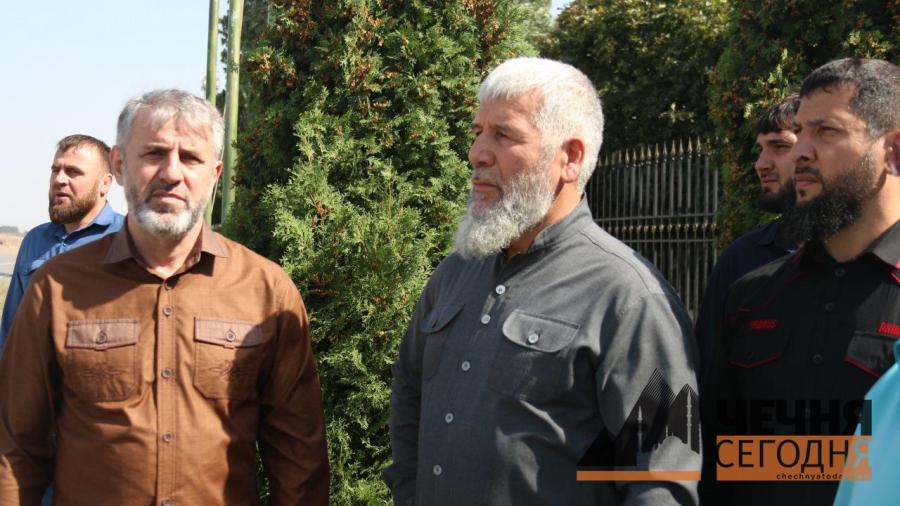 Прибытие самолета с двумя спасенными в Ираке российскими детьми