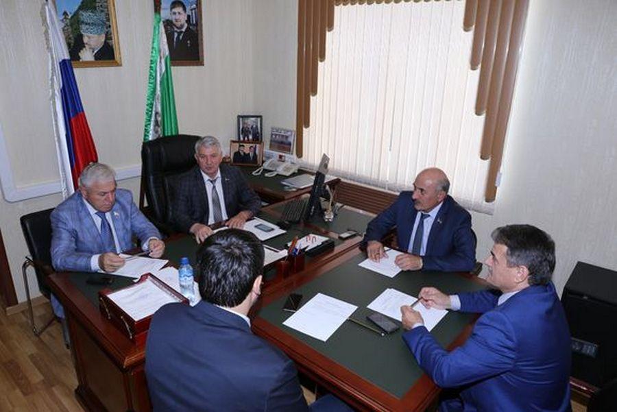 Заседание Комитета по строительству и ЖКХ прошло в Парламенте ЧР