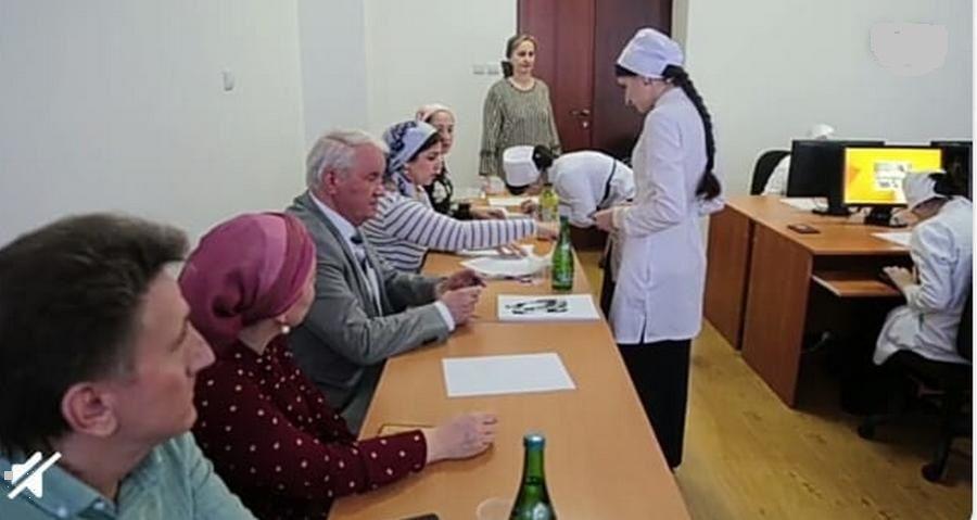 Выпускники-медики Чечни проходят специальную аккредитацию