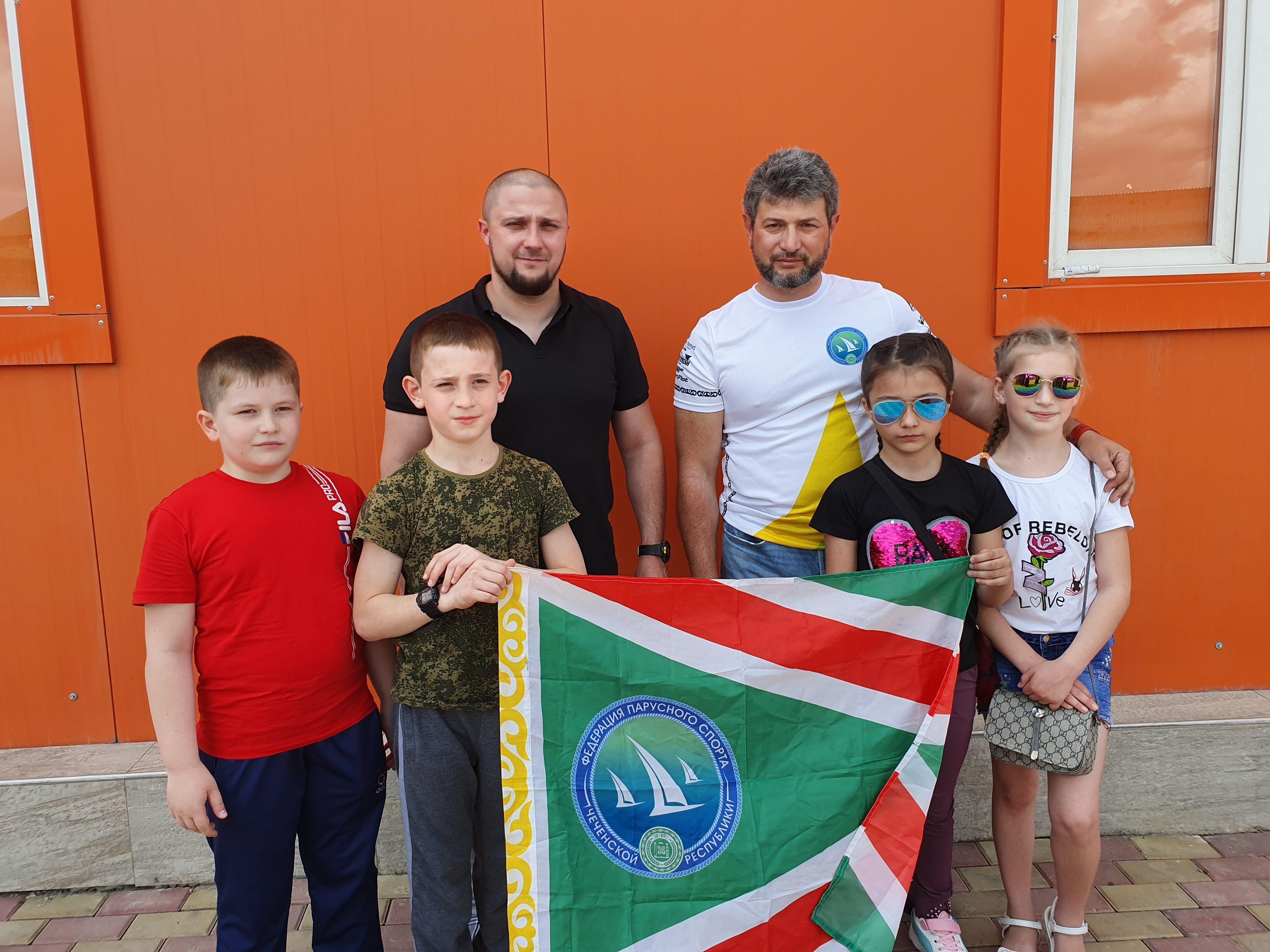 ЧЕЧНЯ. Юные яхтсмены из Чечни отправились на парусную смену в «Артек»