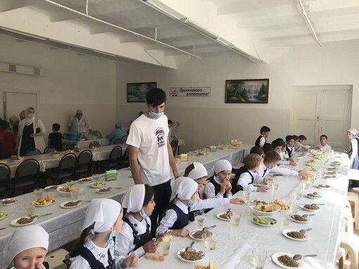 ЧЕЧНЯ. В республике проверили организацию горячего питания в школах