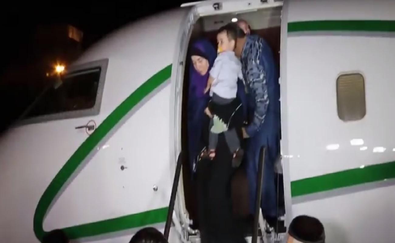 """В аэропорт """"Грозный"""" из Ирака прибыл спецборт с жителя"""