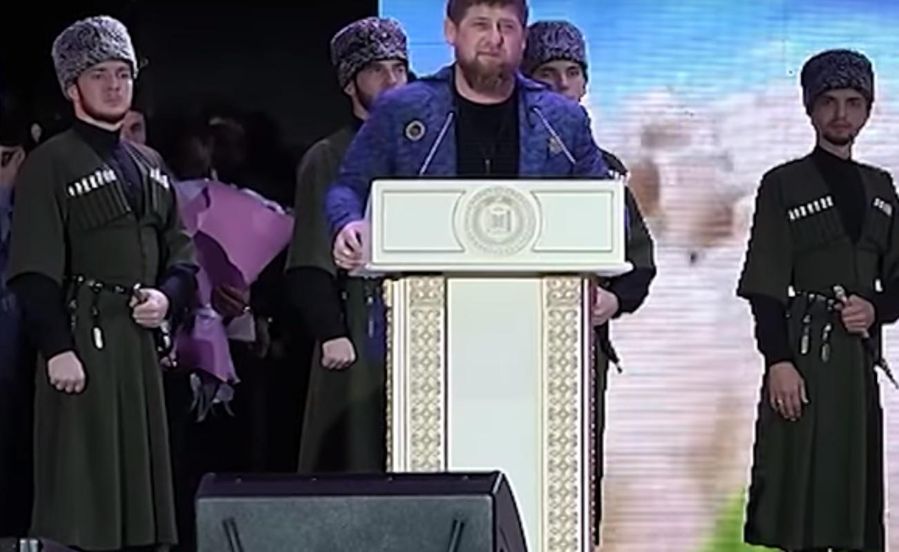Рамзан Кадыров посетил сольный концерт артистки чеченской эстрад
